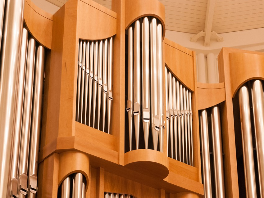 Plymouth Church Organ & Sanctuary