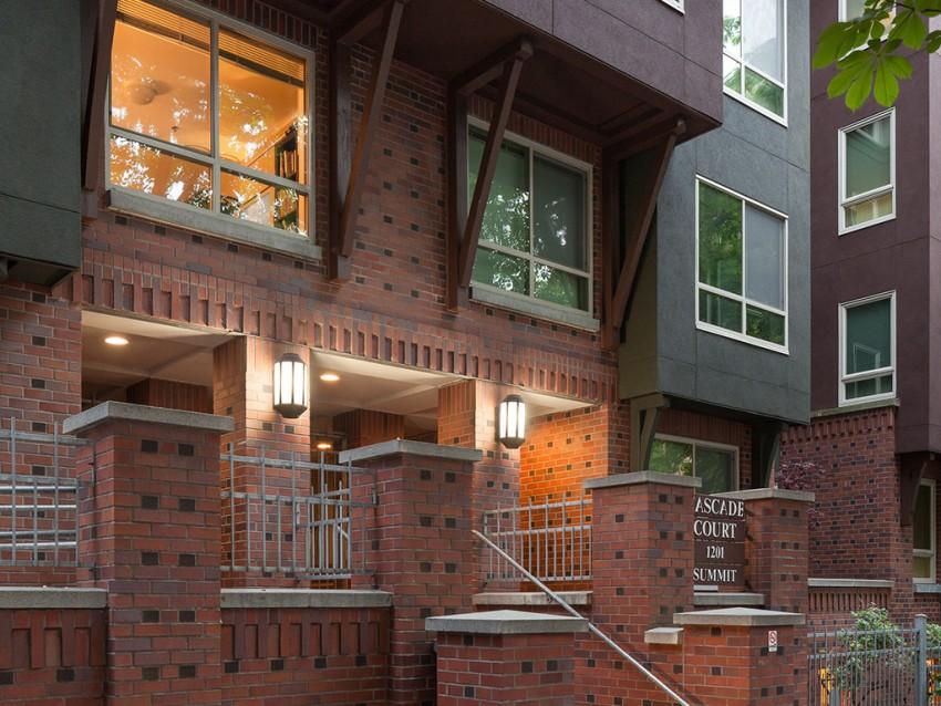 Cascade Court Apartments Reclad